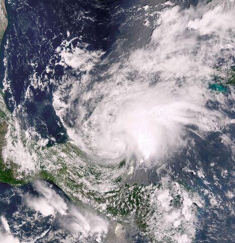 File:800px-Tropical Storm Chantal aug 21 2001 1645Z.jpg