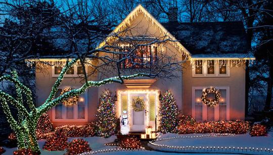 File:Christmas house.jpg