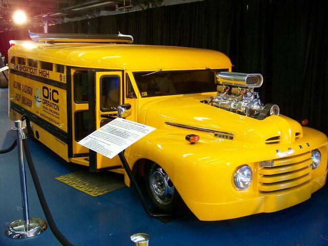 File:Hot Rod Bus.jpg