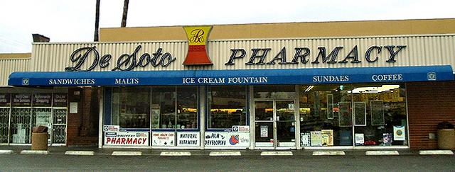 File:De Soto Pharmacy.png