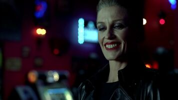 3x09 -nan flanagan can smile