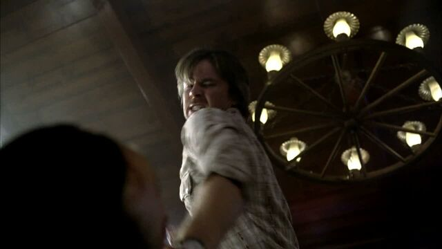 File:3x09 -sam gets pushed to far and beats crystal's father 2.jpg