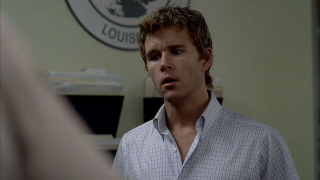 File:3x09 -jason looking confused after finding the call him and crystal made caused injury to a deputy.jpg