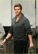 Ryan-kwanten-gq-magazine-06