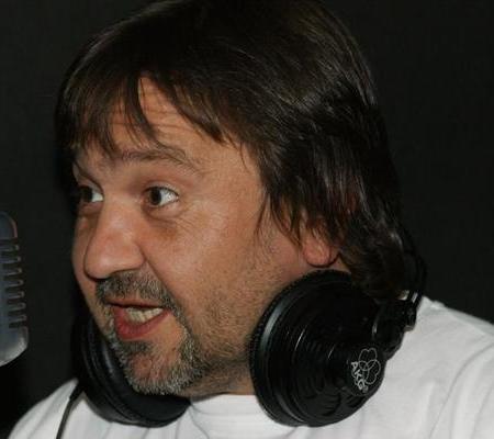 File:CezaryKwieciński.png