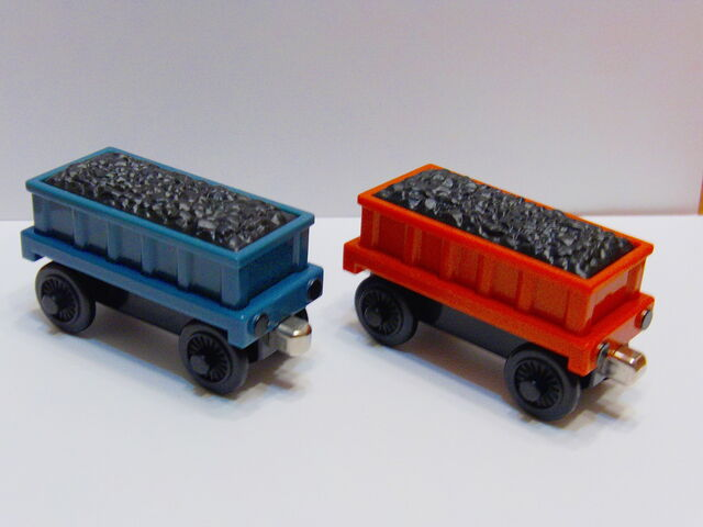 File:InteractiveLearningRailwayCoalTrucks.jpg