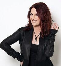 Megan Mullally 3