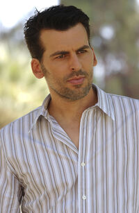 Oded Fehr 4