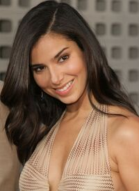 Roslyn Sanchez 4