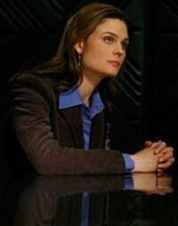 Emily Deschanel 3