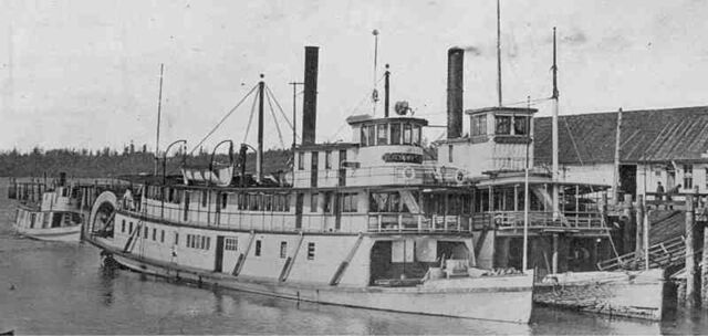 File:800px-Sternwheelers Simpson and Multnomah at Olympia 1911.jpg