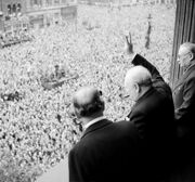Churchill waves to crowds-1-