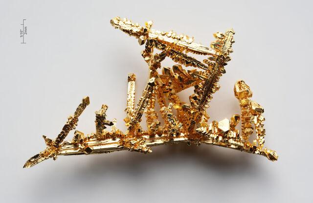 File:Gold-crystals.jpg
