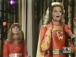 Electra Woman and Dyna Girl 1x02 001