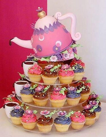 File:A3ee5e2bf8257804 cupcake-wedding-cakes.xxlarge.jpg