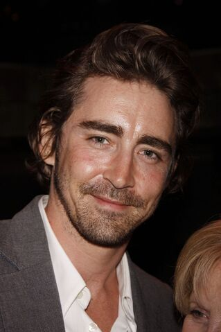 File:Lee Pace Mr Abbot 1-682x1024.jpg