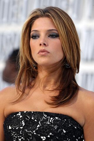 File:Ashley+Greene+2010+MTV+Video+Music+Awards+uSwkoKfZwsml.jpg