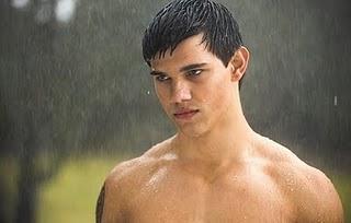 File:Jacob-black-taylor-lautner-naked-in-the-rain-1.jpg