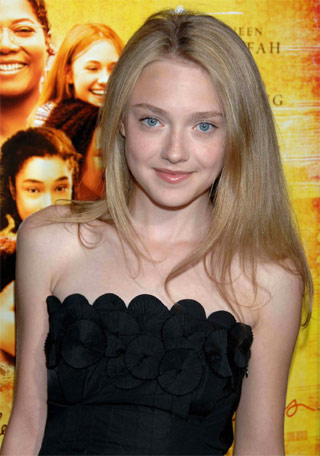 File:Dakota-fanning.jpg