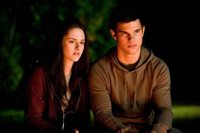 File:Bella and Jacob6.jpg