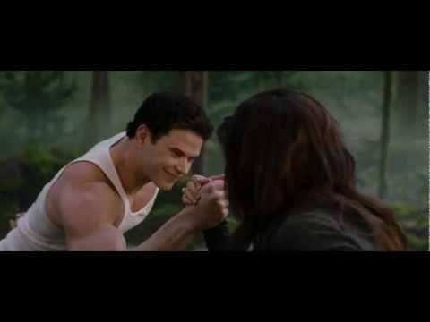File:Emmett Cullen vs. Bella Cullen.jpg