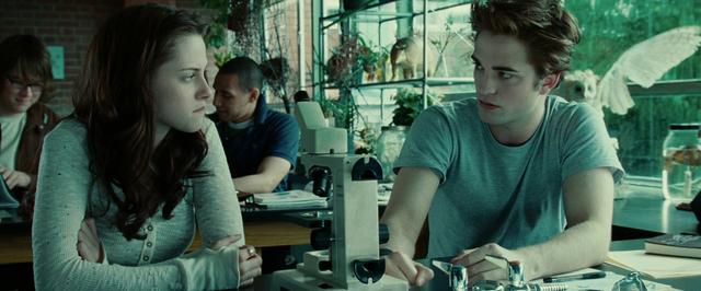 File:Bella & Edward - Biology Class.png