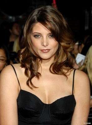 File:Ashley-Greene-Twilight-Premiere-alice-cullen-5888046-295-400.jpg