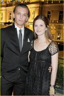 Bonnie-wright-jamie-soiree-monegasque-02-688x1024