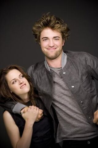 File:Bella and Edward5.jpg