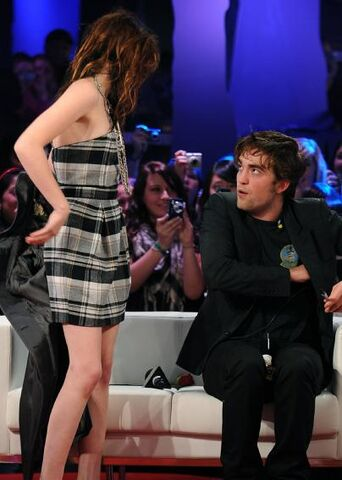File:Did robert pattinson propose to kristen stewart.jpg