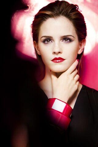 File:Emma Watson Lancome Gloss In Love Picture.jpg
