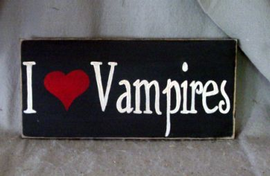 File:I love vampires.jpg
