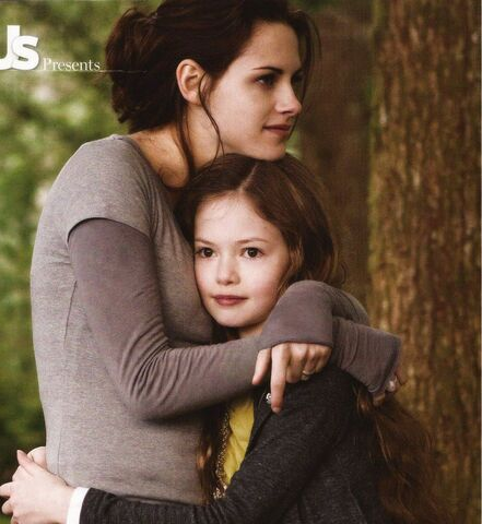 File:Mother and daughter.jpg