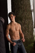 Taylor-as-Jacob-3-jacob-black-8252941-452-678