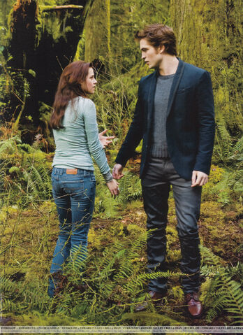 File:Scans-People-Twilight-Collector-s-Edition-edward-and-bella-8706243-1368-1884.jpg