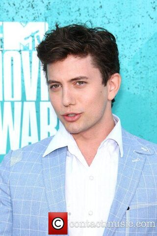 File:Jackson-rathbone-mtv-movie-awards-at-universal 5858161.jpg