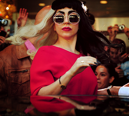 File:Hair-flip gaga.png