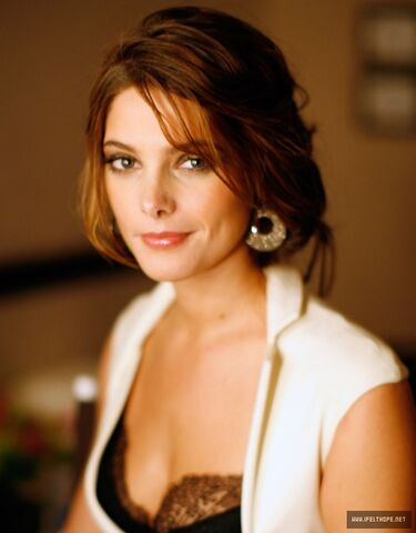 File:AshleyGreene.jpg
