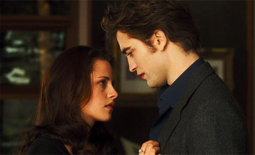 File:New-moon-bella-edward.jpg