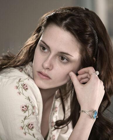File:Bella lovely.jpg