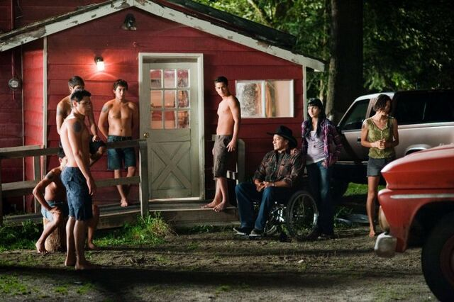 File:L-to-R-Paul-Seth-seated-Embry-Quil-Jared-Billy-Black-Emily-and-Leah.jpg