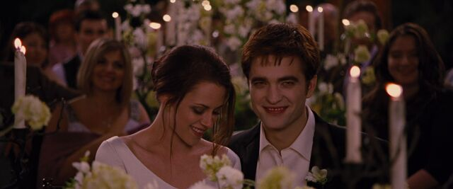 File:BreakingDawnPt1-0820.jpg