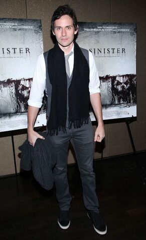 File:Christian-camargo-screening-sinister-02.jpg