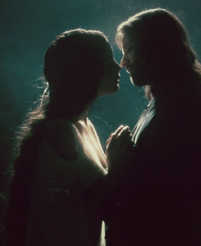 File:Aragorn and Arwen.png