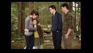 Twilight breaking dawn renesmee and Bella