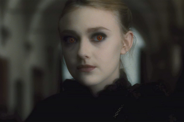 File:26 new moon dakota fanning.jpg