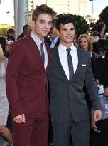 Robert-Pattinson-Taylor-Lautner-Eclipse-Premiere-PHOTOS-2