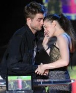 File:Robert and Kristen - New Moon.jpg