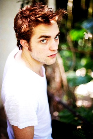 File:Robert Pattinson 2.png