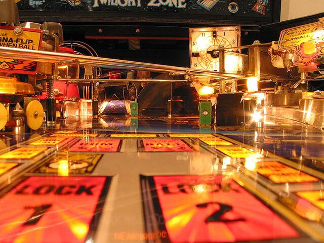 File:Twilight Zone Pinball Machine-2-2829.jpg